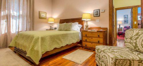 Nora Belles Cottage - Annie's Room
