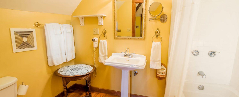 Isadora Bathroom