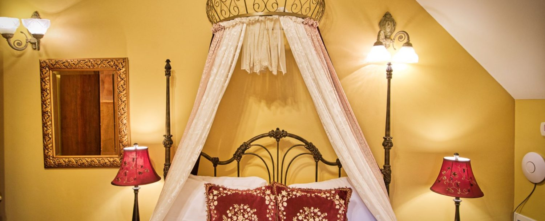 Isadora Bed