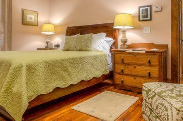 Nora Belle's Cottage Annie's Room