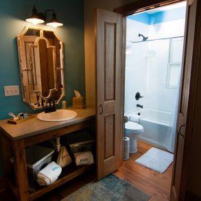 La Chua Bathroom