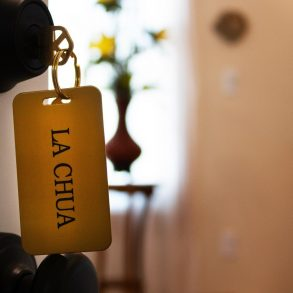 La Chua Keys in door